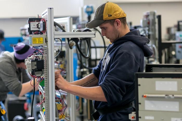 electric technician