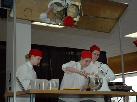 Food demonstration by Loyalist students.