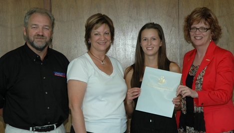 Nursing Student Rebecca Vandertoorn Receives $5,000 Scholarship