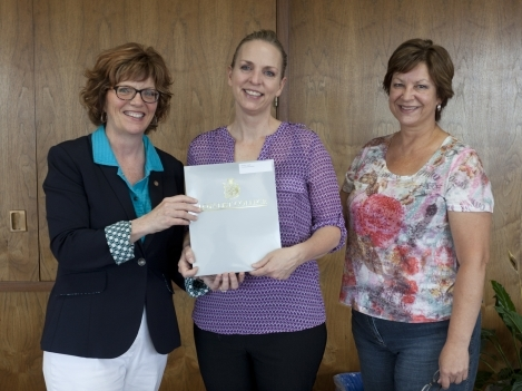 Jennifer Ansell, centre, was named this year's recipient of the Loyalist College Nursing Program Scholarship
